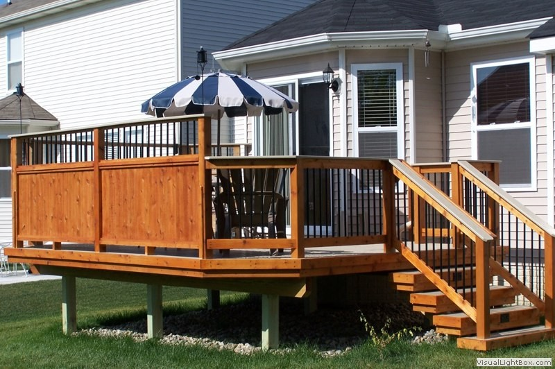 Southeastern michigan custom new decks photo gallery by for Deck privacy screen panels
